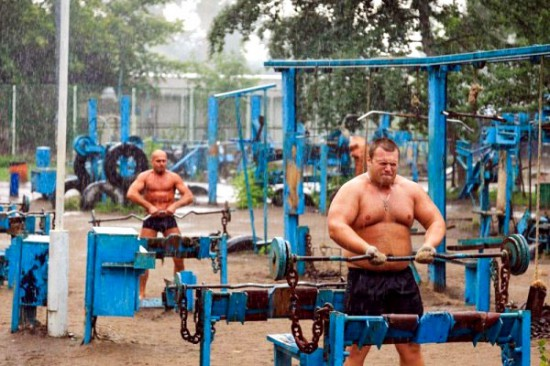 This-Ukrainian-Outdoor-Gym-Is-Made-Entirely-From-Scrap-Metal-6