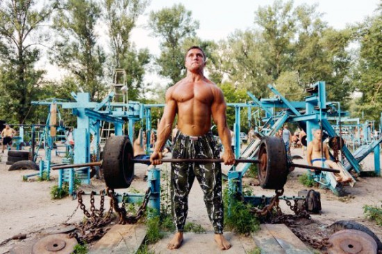 This-Ukrainian-Outdoor-Gym-Is-Made-Entirely-From-Scrap-Metal-9b