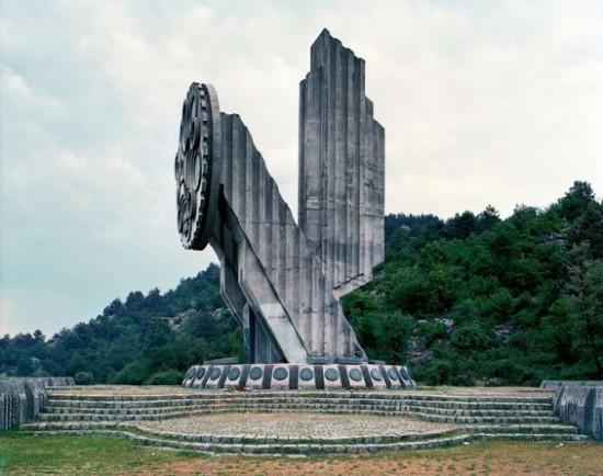 Yugoslavian-Monuments10