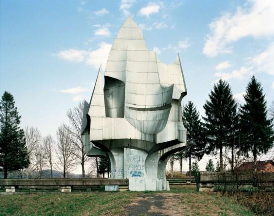 Yugoslavian-Monuments5